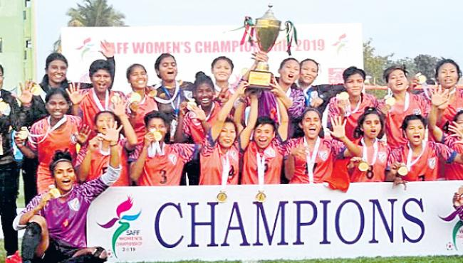 India clinch fifth straight SAFF Womens Championship title - Sakshi