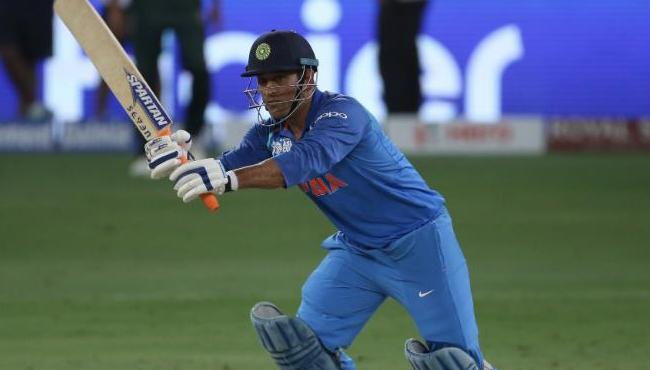 MS Dhoni Should Bat At No 5 In World Cup 2019, Sachin - Sakshi