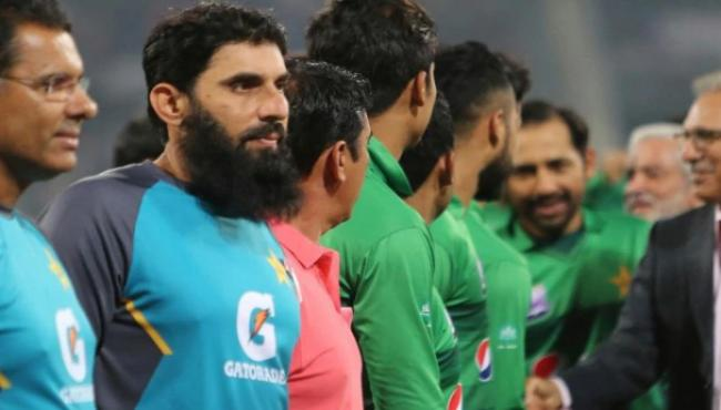 Misbah Baffled By Pakistani Players Reluctance - Sakshi
