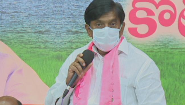 TRS Politburo Members Vinod Slams BJP Leaders - Sakshi