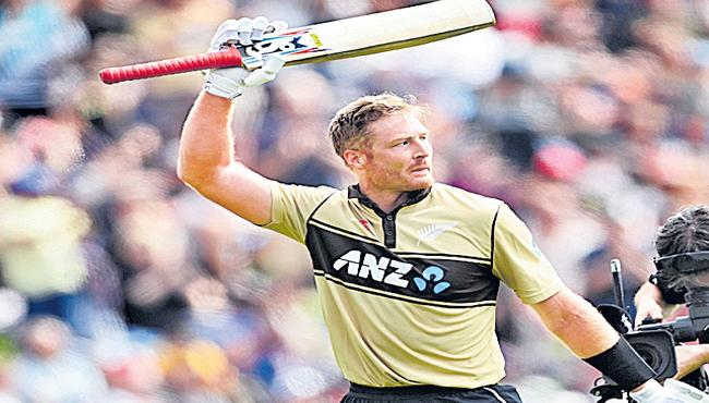 New Zealand beat Australia by four runs in second T20 - Sakshi