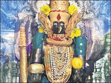 కొండంత ఫలాన్నిచ్చే ... కొల్హాపూర్ మహాలక్ష్మి