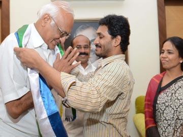 సమైక్యతకు కృషిచేస్తున్నది జగనే: ఎస్పీవై రెడ్డి - Sakshi