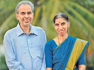 రచయిత జానకీశ్రీరమణీయం...