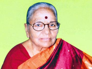 ప్రముఖ రచయిత్రి మల్లాది సుబ్బమ్మ కన్నుమూత