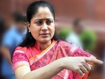 'నా ఆస్తులన్నీ మెదక్ వాసులకిచ్చేస్తా' - Sakshi