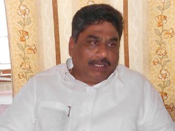 'విజయవాడ-గుంటూరు మధ్యే రాజధాని'