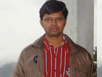 డాక్టర్ బాలాజీ భూషణ్ పట్నాయక్ (ఫైల్ఫొటో) - Sakshi