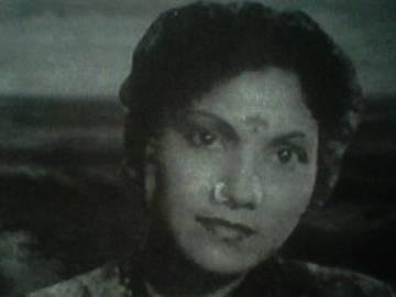 అలనాటి నటి కనకం కన్నుమూత - Sakshi