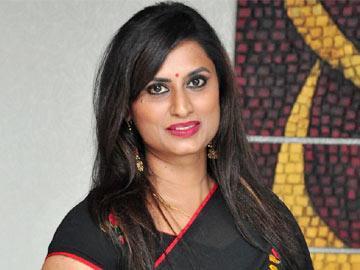 నా భర్త వేధిస్తున్నాడు: గాయని కౌసల్య - Sakshi