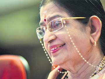 ఇక...'స్వర సామ్రాజ్ఞి' - Sakshi