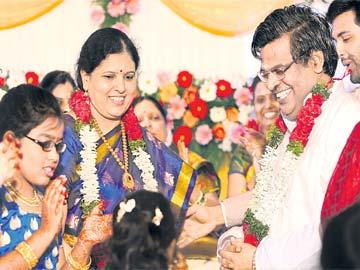 సిరి అరవై... వెన్నెల దొరవై - Sakshi