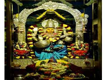 కామాక్షిదేవి అలంకారంలో వర్గల్ అమ్మవారు