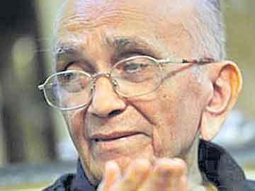 జస్టిస్ పీఎన్ భగవతి కన్నుమూత - Sakshi