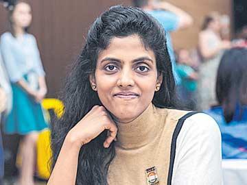 భారత మహిళల జట్టుకు తొలి ఓటమి