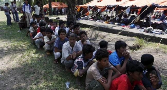 ISIS training 2,000 Rohingyas
