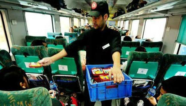Indian Railways to Serve Airline Like Food to Passengers