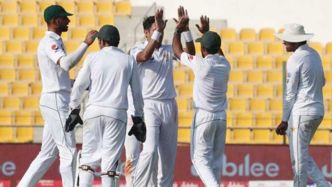 Shah picks two as Sri Lanka 69-4, lead by 66