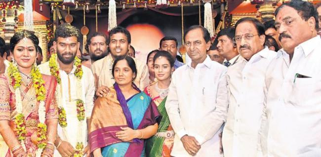 Chandrababu and KCR to visit Anantapur district for Paritala sriram wedding - Sakshi