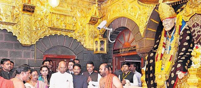 President inaugurates Shirdi Airport, first flight to Mumbai