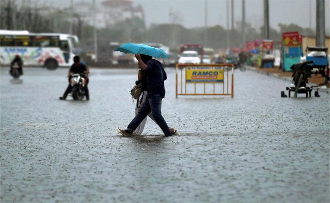tamilnadu-heavy-rains-schools-colleges-closed-ap-p