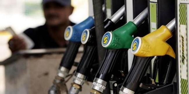 Centre urges states to cut VAT on petrol, diesel by 5% - Sakshi