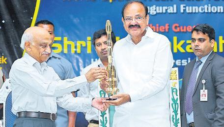 Venkaiah naidu comments on ISRO