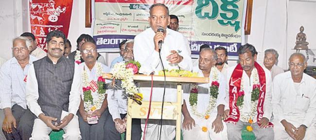Justice Chandrakumar's initiative on farm suicide - Sakshi