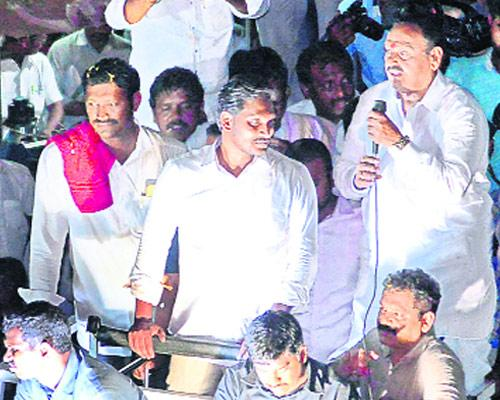 tdp government neglect on irrigation projects - Sakshi