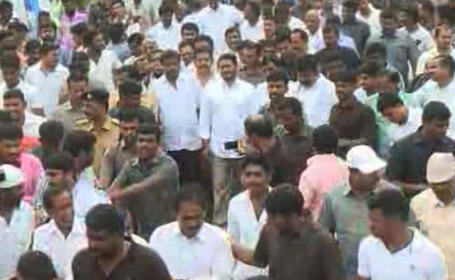 YS Jagan day seven of PrajaSankalpaYatra begins  - Sakshi