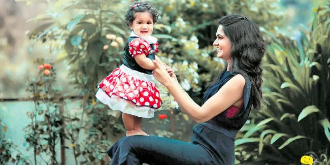 allu arjun-sneha daughter birthday november 21 - Sakshi