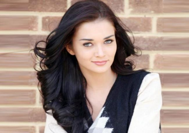 Amy Jackson quits Queen south remakes for Supergirl - Sakshi