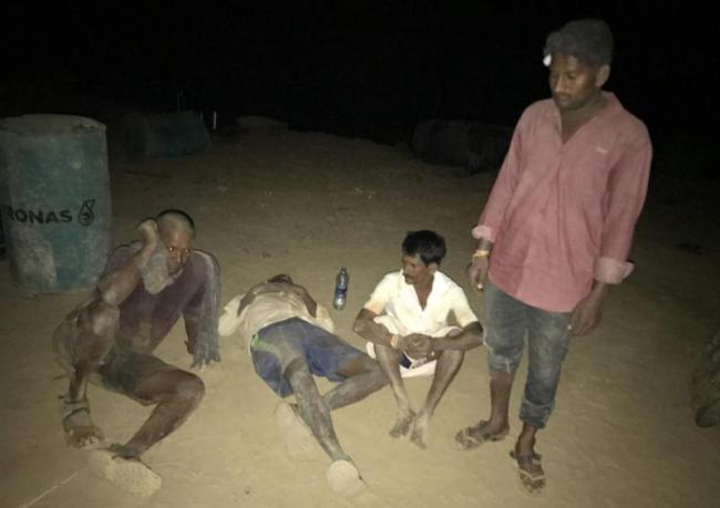 bomb blast in kadikella stone quarry one death six injured - Sakshi