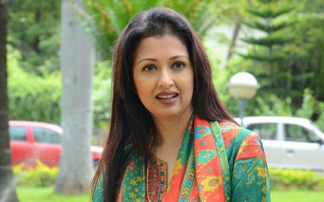Actress Gautami participates in Life Again Foundation event - Sakshi