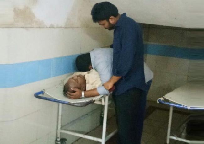 medico parents dead in boat accident - Sakshi