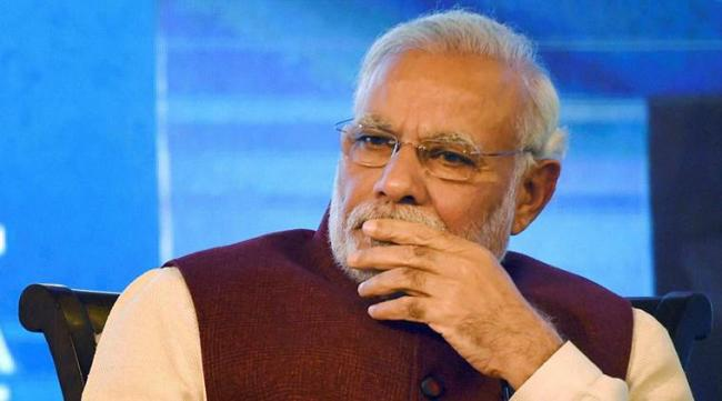 Capsizing of a boat in the Krishna River is anguishing, tweets Narendra Modi  - Sakshi