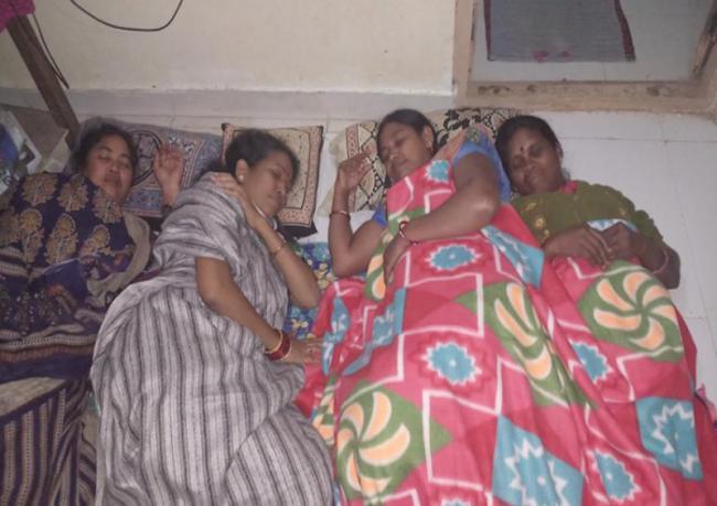 ysrcp leaders conduct rachabanda and pallenidra in srikakulam - Sakshi