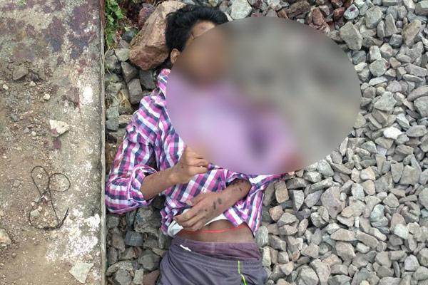 Inter student suicide in Kurnool - Sakshi