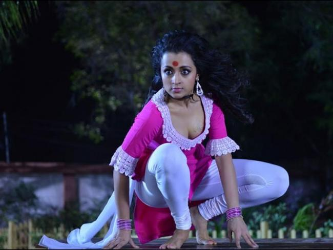 Heroine Trisha acts in Mohini movie - Sakshi
