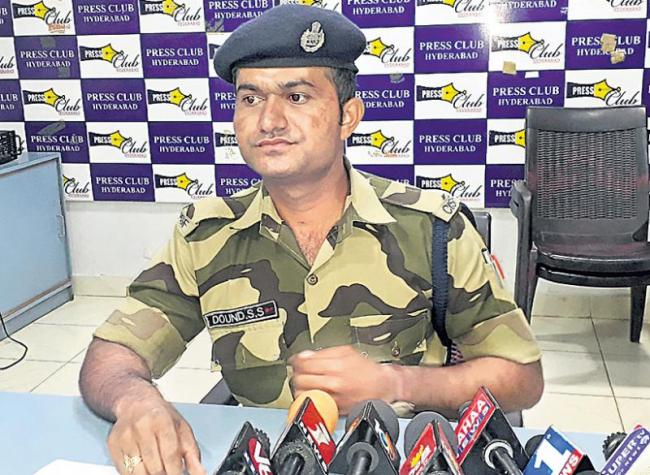 Higher officials are harassing says CISF Constable - Sakshi