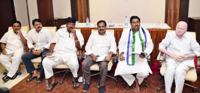 YSR Congress party only solve public problems - Sakshi - Sakshi