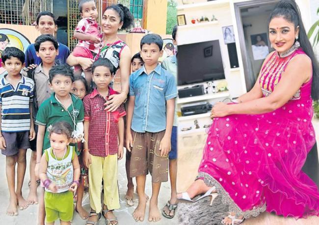 mother teresa award to ramyasri for hrudayalaya foundation - Sakshi