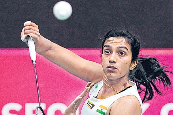 Hong Kong Open: PV Sindhu beats Ratchanok Intanon to enter final - Sakshi - Sakshi - Sakshi