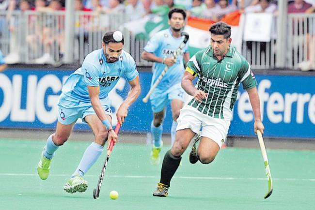 india first fight with pak hockey - Sakshi