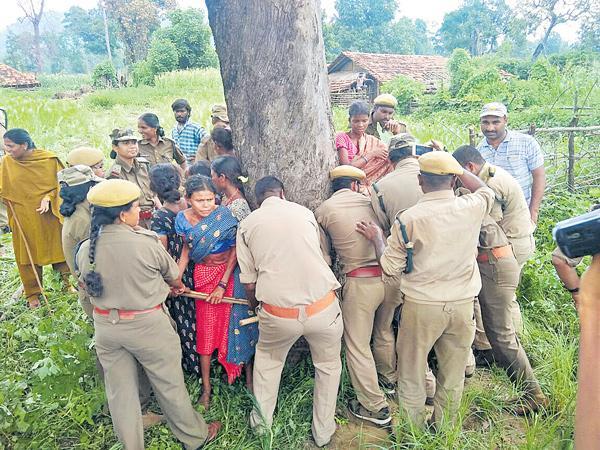 TRS govt giving Assurence to the future of Adivasi - Sakshi