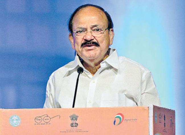 Bicycles in cities should be says venkaiah - Sakshi