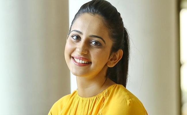 rakul wants andhra abbayi - Sakshi