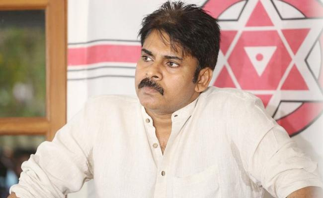 Land conflict sparks to Janasena Party Office in Chinakakani  - Sakshi