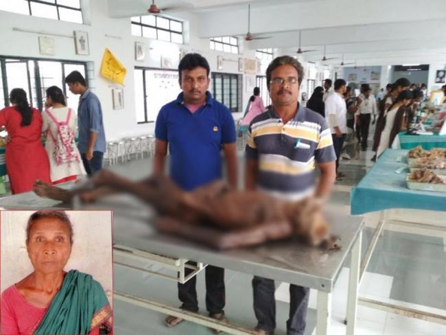 Sons look back Mother death ded body after one year - Sakshi