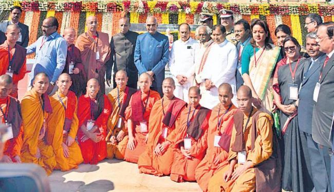 Ramnath Kovind visits Buddha Statue - Sakshi